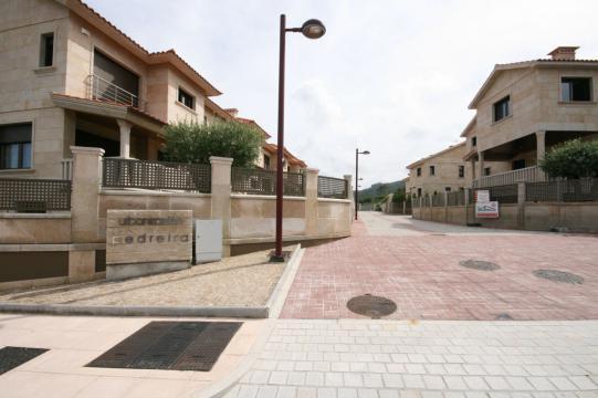 urbanizacion pedreira chalet pareado casa promociones luis barros